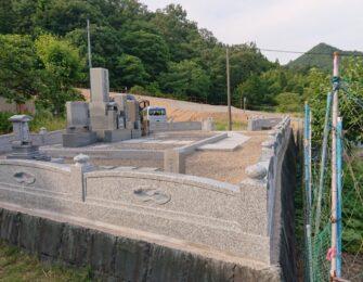 玉垣で囲うと一段と豪華な墓地になりました