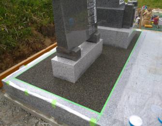 石碑・副碑の周りを樹脂砂利施工しました
